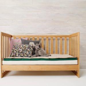 Babybett MOBILE in Erle Umbau als Sofa.