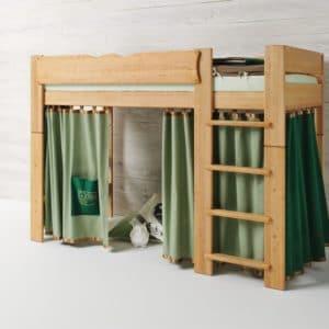 Mittelbett Mobile in Erle geölt in Farbwelt Eule in grün. Bett Mobile mit Leiter.