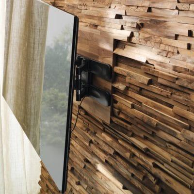 Holzverkleidung Wand in Nuss.